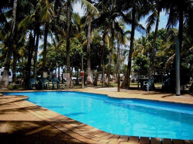 08-Pool_Banner_Karumba_Point_Sunset_Caravan_Park_1180-600