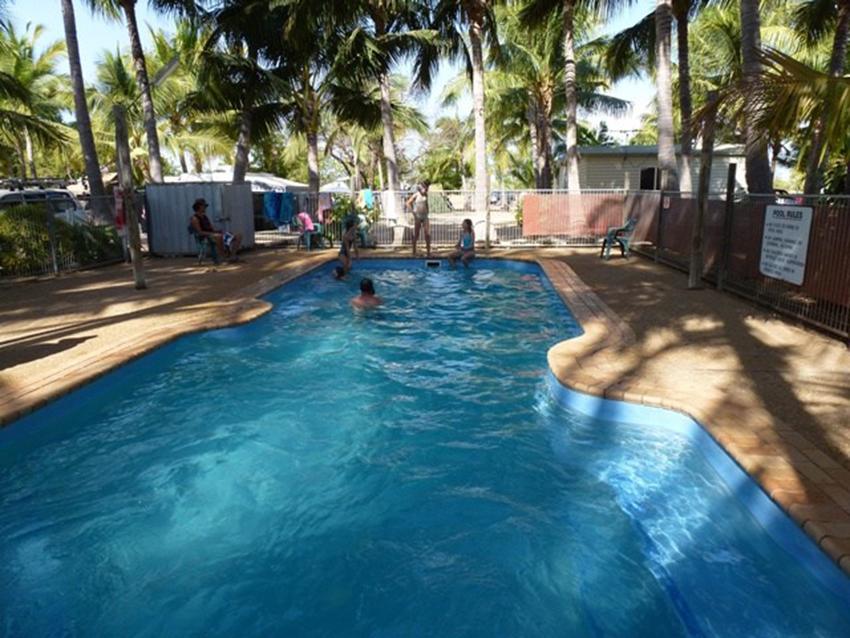Swimming-Pool-Karumba