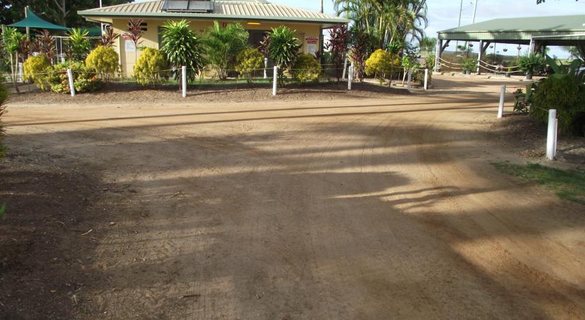 04-karumba-point-sunset-caravan-park-booking-com-testimonial