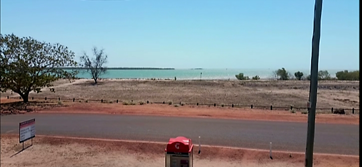 A Beautiful Beach View right from Karumba Point Sunset Caravan Park
