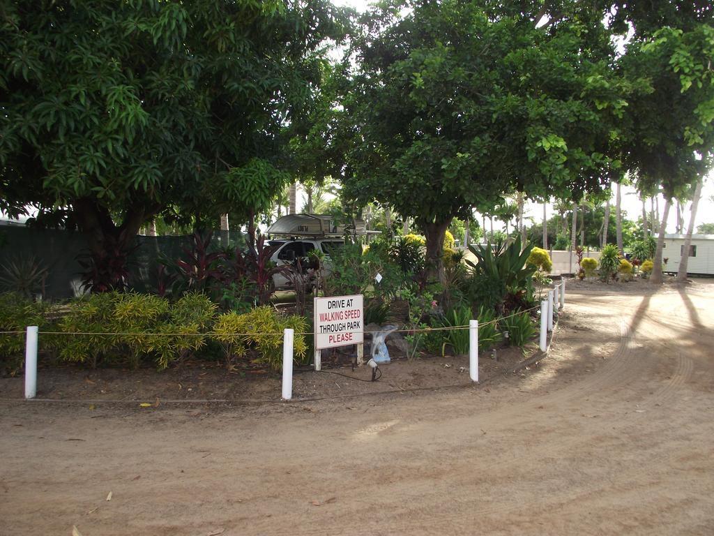 Beautiful Park Garden Karumba Point Sunset Caravan
