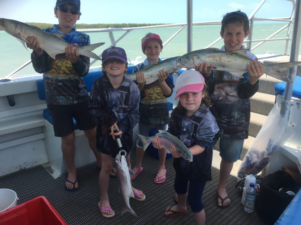 The Donald family kids know how to catch fish in Karumba. 5 kids 5 great Bluenose. Great catch kids. Well done. Fish and chips tonight!!