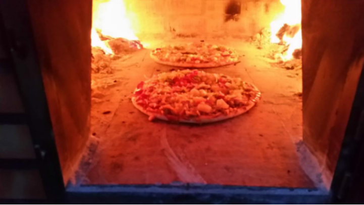 Our Wood Fired Pizzas – Oh Yummy