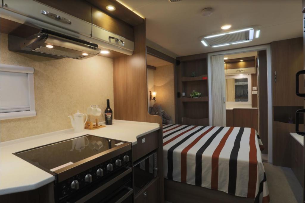 Karumba Point Sunset Caravan Park Luxury Delux Van